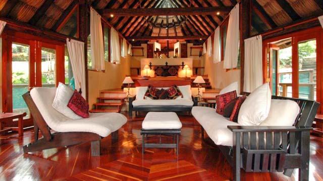 Luxury treetop jungle suites in Belize'