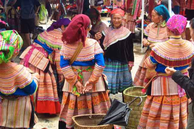 Sapa Vietnam market